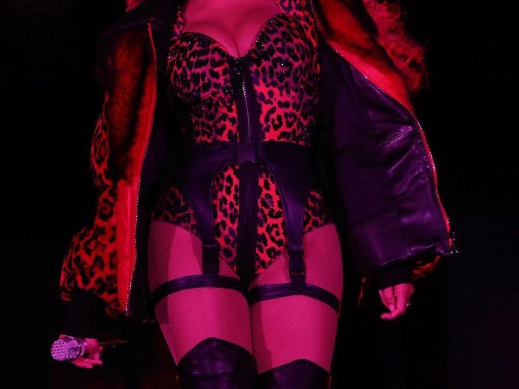 Foto: Kostum Megah Beyonce saat Tur Dunia, Gucci Hingga Valentino