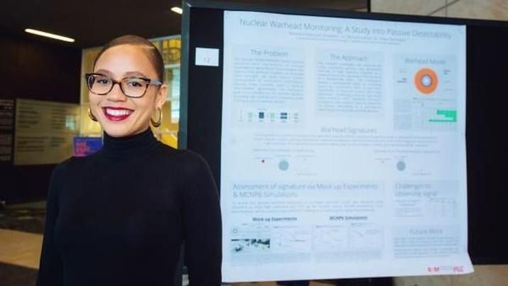 Mareena Robinson, perempuan kulit hitam pertama yang menyandang gelar Phd Nuklir dari MIT