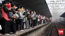 Kereta Jakarta-Bogor Molor, Commuter Line Minta Maaf