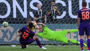 FOTO: Liverpool Dikecundangi Dortmund di ICC