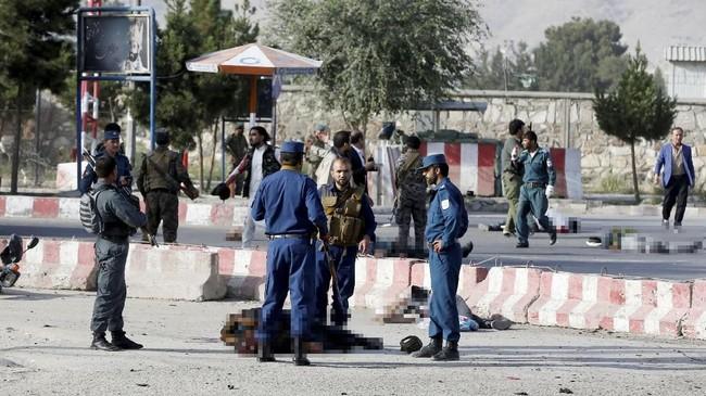 Dia meninggalkan Afghanistan tahun lalu setelah ditekan oleh negara-negara Barat. (REUTERS/Omar Sobhani)