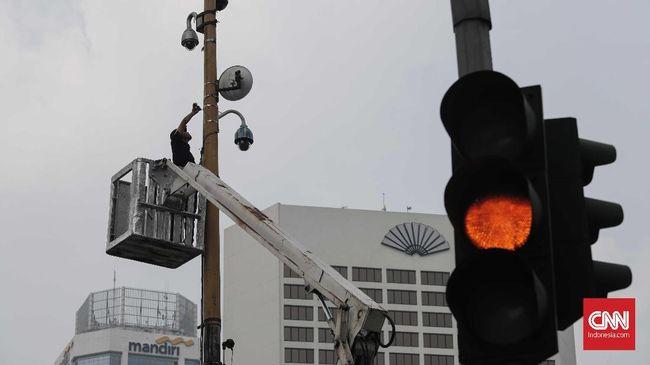Tilang Kamera, Tiga Persimpangan di Thamrin Dipasangi CCTV