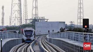 Gangguan Listrik, Penumpang LRT Palembang Dievakuasi via Rel