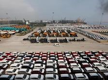 BPS: Ekonomi RI Tumbuh 5,27% Ditopang Penjualan Mobil & Motor