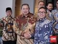 Ketua PAN Zulkifli Hasan Tiba di Kediaman SBY