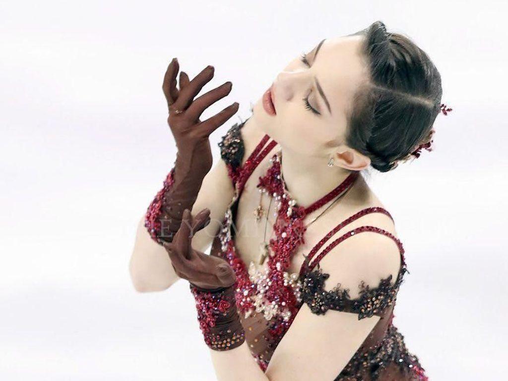 Cantiknya Evgenia Medvedev, Atlet Ice Skating Juara Olimpiade 2018