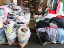 Keluhan Pedagang Kain Akibat Mahalnya Bahan Baku
