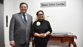 Menlu RI Resmikan Pusat Data WNI Pertama di Luar Negeri