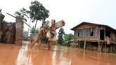 Sebagian besar korban banjir bandang adalah petani kopi atau padi. (REUTERS/Soe Zeya Tun)