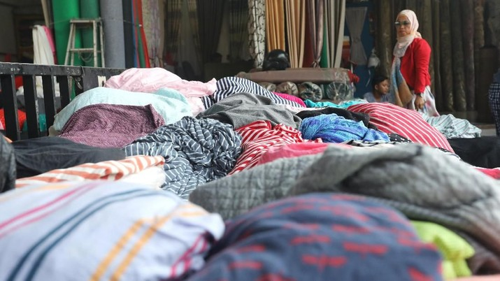 Penyebab banjir impor tekstil diungkap oleh Mendag.