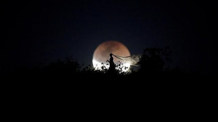 Momen Langka, Melihat Gerhana Bulan Total di Berbagai Negara