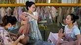 Fitur AL pada boneka dianggap masih sangat mendasar karena mereka bisa menjawab pertanyaan tapi tak bisa bicara panjang.(REUTERS/Aly Song)