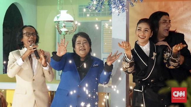 Setelah menggelar gala premier di Belanda, film 'Si Doel the Movie' tayang perdana secara khusus di Indonesia, selama dua hari berturut-turut 28-29 Juli di bioskop XXI Epicentrum Walk, Jakarta. (CNN Indonesia/Agniya Khoiri)