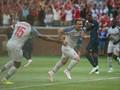 FOTO: Shaqiri Cetak Gol Salto, Liverpool Lumat Man United