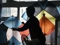 FOTO: Warna-warni Pembuat Layang-layang Afghanistan
