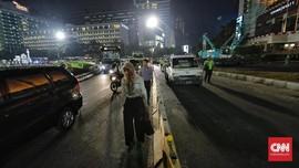 Keamanan Penyeberang di Bundaran HI Saat Malam Dipertanyakan