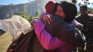 Kisah Suharti Bertahan Hidup dengan Seteguk Air di Rinjani