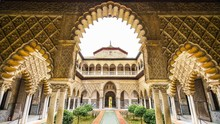 Pantone Ciptakan Warna Spesial untuk Kota Seville