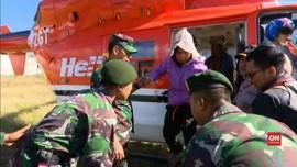 VIDEO: Tiga Pendaki Rinjani Dievakuasi Helikopter