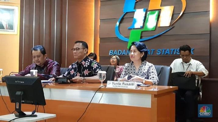 Ekonomi Indonesia tumbuh 5,27% secara tahunan pada periode April-Juni 2018. Sebelumnya, pada kuartal I-2018, ekonomi Indonesia tumbuh 5,06% YoY.