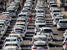 Masa Depan Industri Otomotif & Transportasi: Taksi Online!