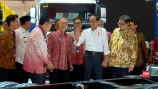 Jokowi Singgung Pajak Mobil, Menperin Airlangga 'Lempar Bola'