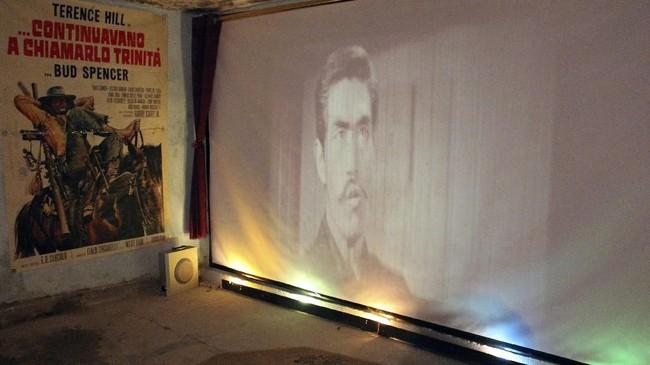 Pada 1970-an, Kirkuk sebuah kota di Irak merupakan rumah bagi lima bioskop: Khayyam, Hamra, Alamein, Atlas. dan Salaheddin. Namun kini mereka sama sekali tak punya bioskop. (AFP PHOTO / SHWAN NAWZAD)