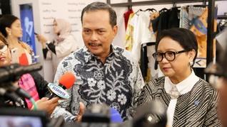 Menlu Retno Buka Gelaran 14 Desainer RI di Singapura