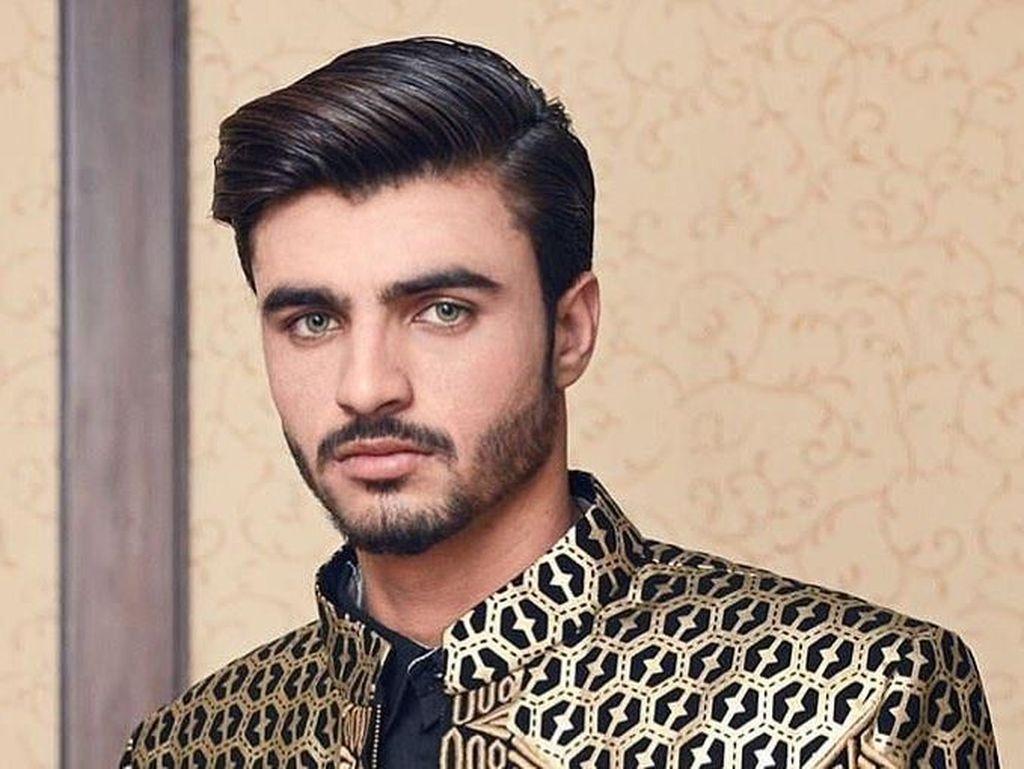 Terpukau Pesona Arshad, Penjual Teh yang Sukses Jadi Model Setelah Viral