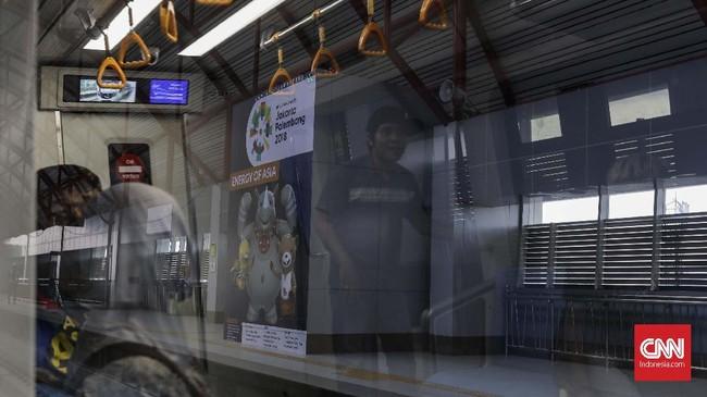 Proyek senilai Rp12,5 triliun itu rencananya akan terdiri dari 13 stasiun, satu depo, dan sembilan gardu listrik yang sedianya sudah bisa dimanfaatkan saat Asian Games 2018.