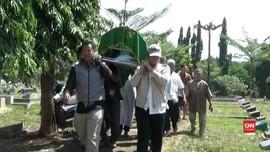 VIDEO: Pemakaman Pendiri PKS Yusuf Supendi