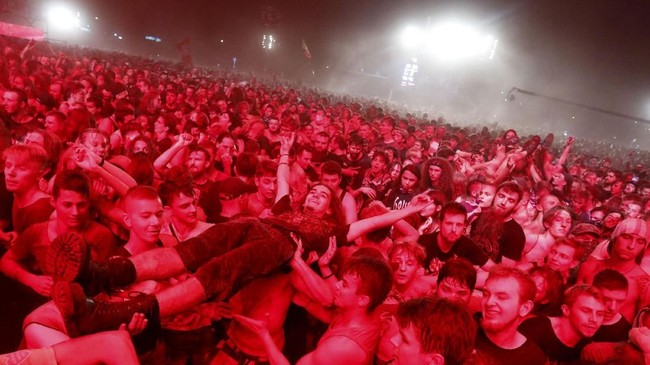 Festival ini kini menjadi salah satu tujuan wisatawan dari seluruh dunia untuk datang, terutama mereka yang jadi penikmat musik. (REUTERS/Kacper Pempel)