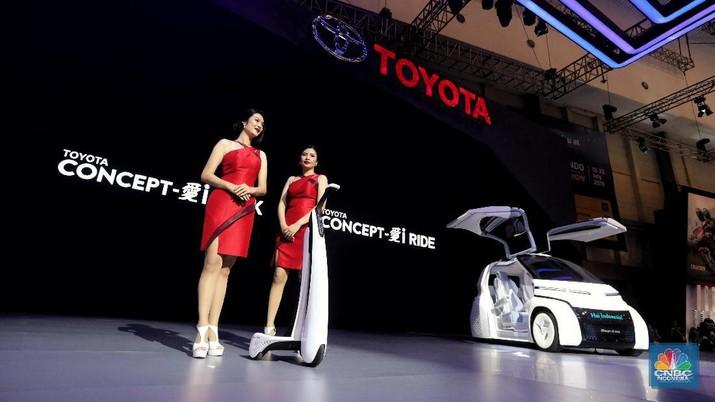 Di sisi lain, Toyota Indonesia juga membawa dua kendaraan konsep, yakni Toyota i-Ride dan i-Walk.