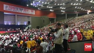 Relawan Jokowi Padati Halaman Gedung Joang, Lalu Lintas Macet