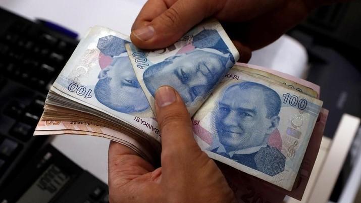 Ekonomi Turki Makin Tertekan, Lira Anjlok karena Bea Impor AS