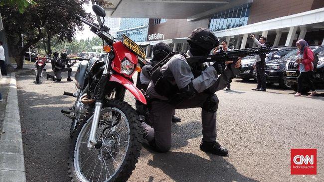 Polisi Ditikam Saat Terduga Teroris Diringkus di Deli Serdang