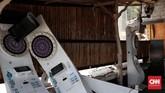 Dampak Gempa di Gili Trawangan menghancurkan barang-barang beberapa restoran dan bar. (CNN Indonesia/Andry Novelino)