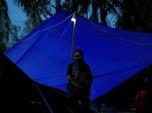 Khawatir Gempa Susulan, Warga Menetap di Bawah Tenda