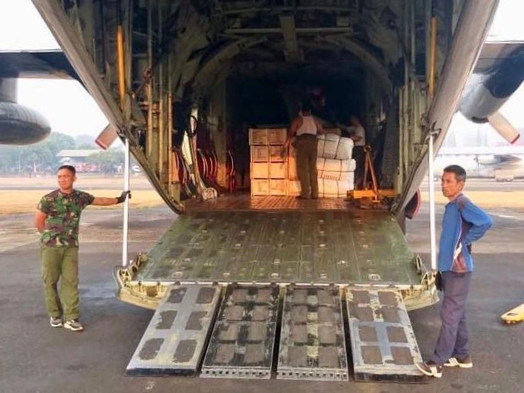 Lima pesawat tersebut diberangkatkan melalui Lanud Halim Perdanakusuma, Jakarta Timur, Rabu (8/8/2018). Dok. Puspen TNI.