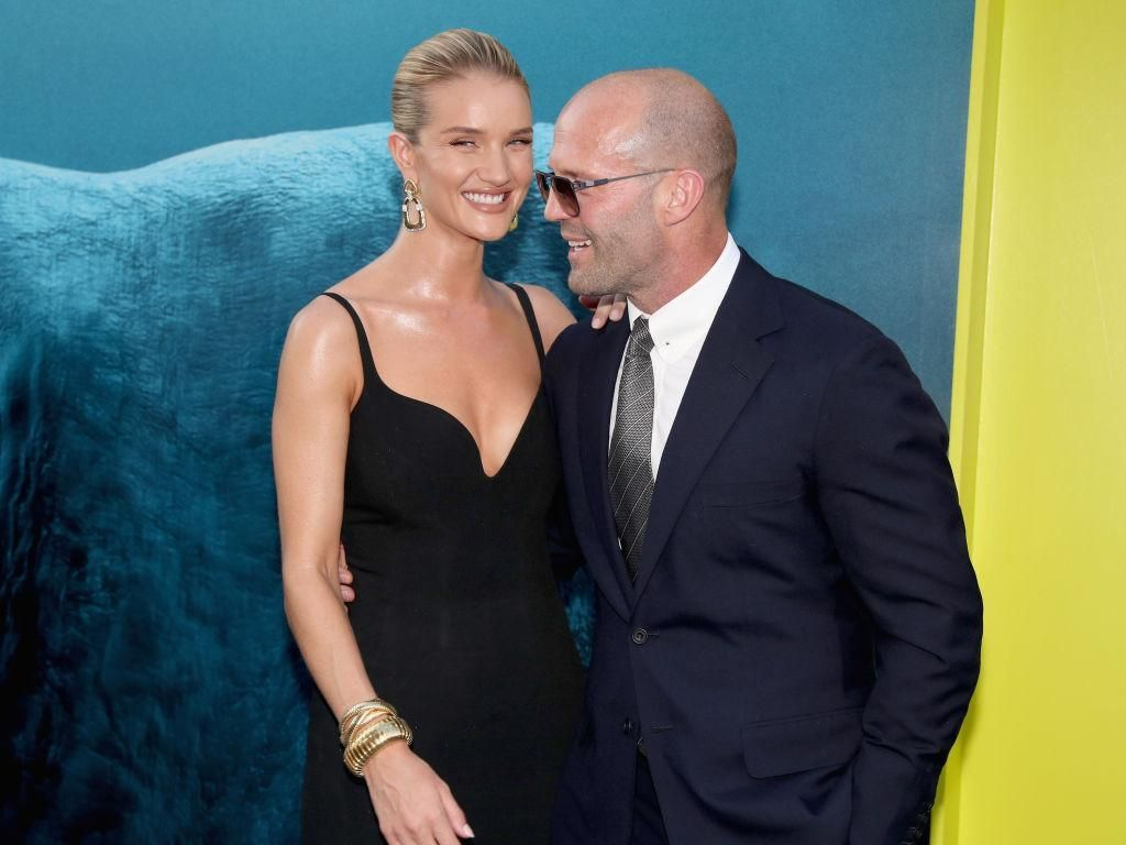 Jason Statham dan Rosie Huntington-Whiteley Mesra Banget di Red Carpet