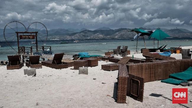 Gempa mengguncang wilayah Nusa Tenggara Barat berpengaruh besar di sektor pariwisata, termasuk kawasan wisata Gili Trawangan seabagai salah satu destinasi favorit. (CNN Indonesia/Andry Novelino)