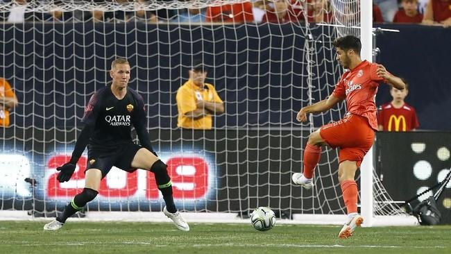 Real Madrid langsung unggul 1-0 pada menit kedua berkat gol Marco Asensio yang memanfaatkan umpan Gareth Bale. Umpan Bale ini cukup indah karena menggunakan kaki kiri bagian luar yang bisa diterima dengan baik oleh Marco Asensio. (Noah K. Murray-USA TODAY Sports)