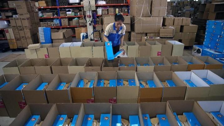 Perang Dagang, Industri China Berjuang Memperpanjang Napas