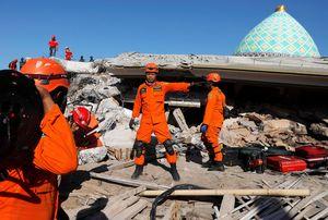 Gempa & Tsunami Besar Jawa, BMKG: Tak Ada yang Bisa Prediksi
