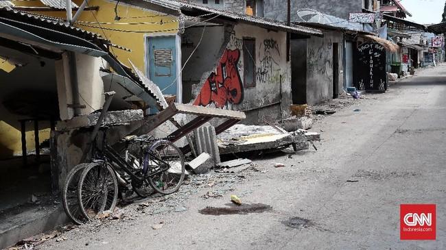 Pascagempa, evakuasi besar-besaran dilakukan pada wisatawan yang tengah plesiran di pulau nan molek itu.(CNN Indonesia/Andry Novelino)