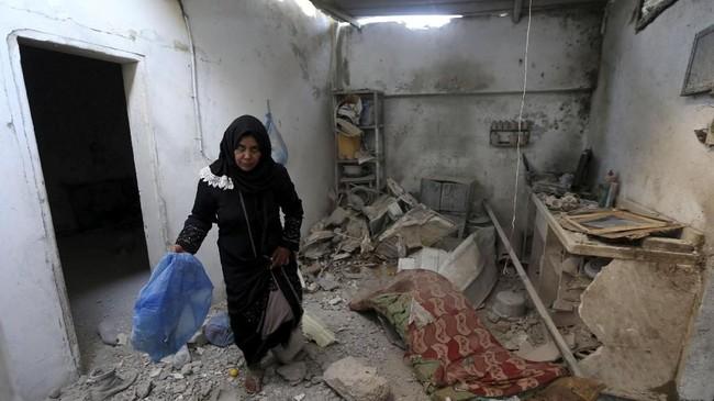 Israel menyatakan mereka membidik 150 lokasi yang diduga menjadi tempat persembunyian Hamas. (REUTERS/Ibraheem Abu Mustafa)