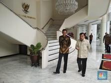 Gaya Jokowi Sambangi JK, Bicara Soal Cawapres Inisial 'M'