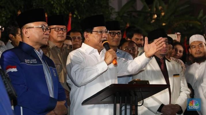 Prabowo menggandeng Sandiaga Uno sebagai Calon Wakil Presiden (Cawapres).