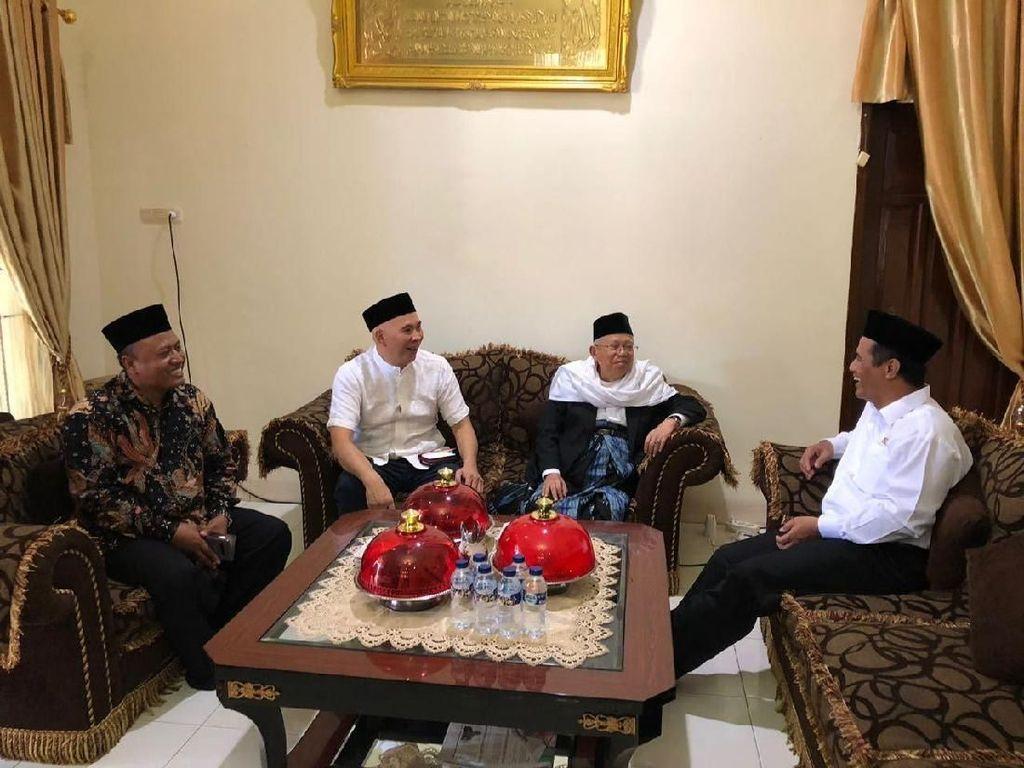 Sebelum dinobatkan sebagai Cawapres bersama Jokowi, beliau sempat menjabat sebagai Anggota Dewan Pertimbangan Presiden dua periode. Foto: Istimewa