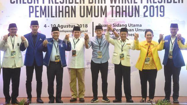 Riuh Pendukung Saat Prabowo Sapa Titiek Soeharto